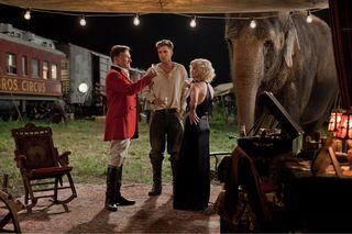 Water-for-elephants-movie-photo-06