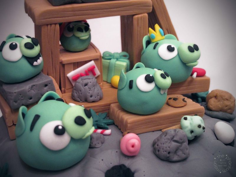 Pig Invasion Cake_TPM_06